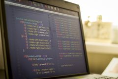 Код JavaScript и HTML первоначальный Исходный код компьютерного программирования Стоковая Фотография RF