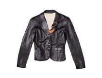 Кожаная черная куртка изолированная на белой предпосылке стоковые фотографии rf