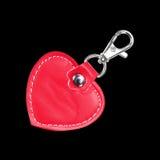 Кожаное круглое Keychain при замок зажима для ключа изолированный на черноте Стоковая Фотография