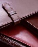 кожаные естественные бумажники стоковые изображения