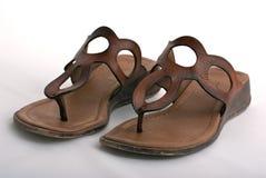 кожаные женщины сандалий Стоковая Фотография RF