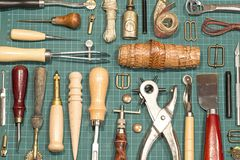 Кожаные инструменты ремесла стоковая фотография