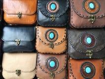 Кожаные сумки для продажи в Таиланде Стоковая Фотография RF