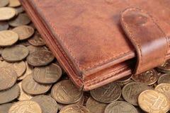 Кожаный бумажник на русские монетки Стоковое Фото