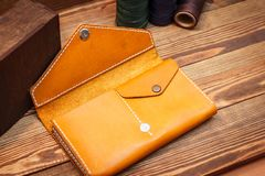 кожаный желтый цвет бумажника Стоковые Изображения