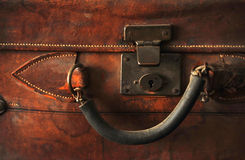 кожаный старый чемодан Стоковая Фотография