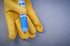 Кожаный технический чертеж защитных перчаток голубой на сером backg Стоковая Фотография RF