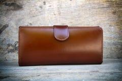 Кожа бумажника женщины Стоковая Фотография RF