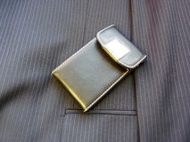 кожа владельец карточки Стоковые Фотографии RF
