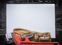 Кожа штуцеров трубопровода ключа для труб медная Стоковое Фото