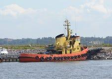 Койка буксира на порте Стоковые Изображения