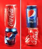 кокаа-кол pepsi против Стоковая Фотография