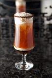 Коктеил питья чашки кофе Стоковые Фото
