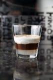 Коктеил питья чашки кофе Стоковое Изображение RF