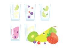 Коктеили и smoothie с свежими фруктами и ягодами Бесплатная Иллюстрация