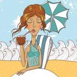 Коктеил кокоса красивой экзотической женщины выпивая Стоковая Фотография