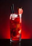 Коктеиль клубники с льдом на черной таблице Стоковое Изображение