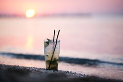 Коктеиль Mojito на seashore Стоковое фото RF