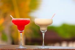 2 коктеиля на тропических каникулах Стоковые Изображения RF