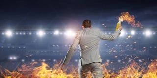 Коктейль Молотоваа бизнесмена бросая Мультимедиа Стоковое Изображение RF
