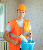 Колеривщики дома с роликом краски Стоковое Изображение RF