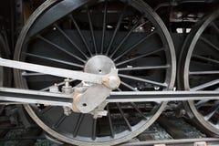 колеса старого черного локомотива Стоковая Фотография