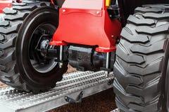 Колеса трактора управляют на Стоковые Изображения