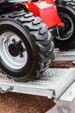 Колеса трактора управляют на Стоковое фото RF