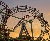колесо захода солнца ferris Стоковая Фотография