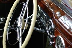 колесо сбора винограда управления рулем стоковое фото