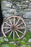 колесо тележки деревянное Стоковые Фото