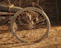 колесо тележки старое деревянное Стоковое Фото