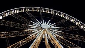 Колесо Ferris на ноче Конец-вверх сток-видео