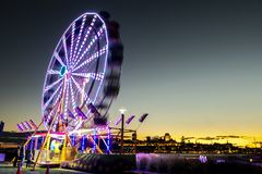 Колесо Ferris на Levis Квебеке Канаде на заходе солнца стоковые фотографии rf