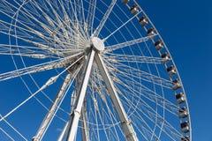 Колесо Ferris Roue de Париж на Месте de Ла конкорде день солнечный Перемещение к известным ориентир ориентирам стоковое фото rf