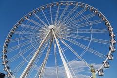 Колесо Ferris Roue de Париж на Месте de Ла конкорде день солнечный Перемещение к известным ориентир ориентирам стоковая фотография rf