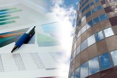 коллаж диаграммы дела здания финансовохозяйственный Стоковое Изображение RF