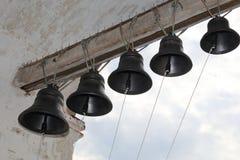 Колоколы литого железа, колокольня, монастырь стоковое изображение