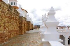 Колокольня и kupola монастыря San Felipe Neri на Сукре, Bol стоковая фотография