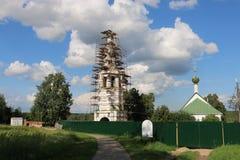 Колокольня Святого Бориса и церков Gleb в Kideksha Стоковая Фотография