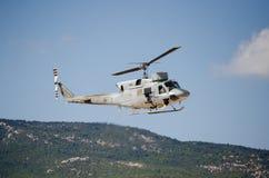 Колокол вертолета uh 1 пулемет Стоковые Изображения