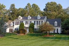 колониальная дом большая Стоковое Изображение