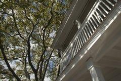 колониальная дом традиционная Стоковые Изображения