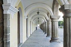 Колониальные своды и столбцы в Антигуе Стоковое Изображение RF