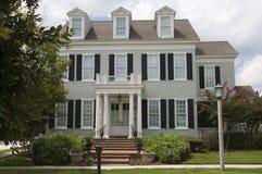 колониальный дом Стоковое Изображение RF