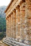 Колоннада виска Segesta в Сицилии Стоковая Фотография RF
