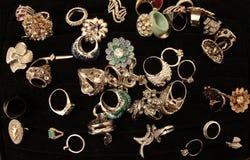 кольца золота и bijoux стоковая фотография