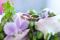 кольца цветков wedding Стоковые Изображения