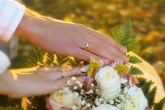 кольца цветков wedding Стоковое фото RF