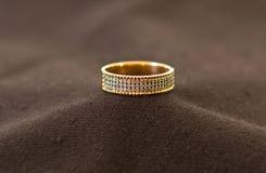 кольцо диамантов золотистое Стоковое Изображение RF